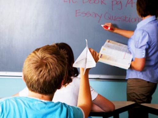 تعامل عنصري وتحقيق بوليسي بعدما رشق تلميذ أستاذه بالغائط داخل مؤسسة فرنكفونية بمراكش