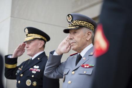 غموض يلف الوضع الصحي للجنرال بوشعيب عروب المفتش العام للقوات المسلحة وسط تضارب للأنباء عن حالته