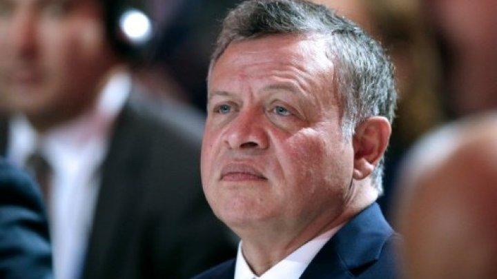 العاهل الأردني يأمر بتشكيل حكومة جديدة ويحل البرلمان