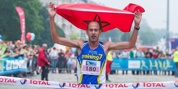 العداء المغربي نجيم القاضي يفوز للمرة الثالثة على التوالي بسباق 20 كلم ببروكسيل