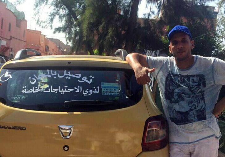 سابقة.. سائق طاكسي يقدم خدماته مجانا لهذه الفئة من المراكشيين