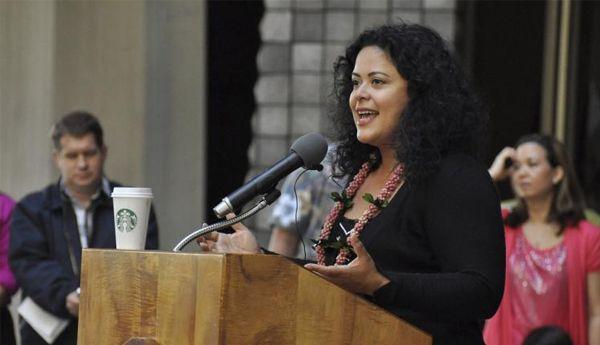 شقيقة باراك أوباما تُحاضر بجامعة محمد الخامس حول الشباب والتنمية