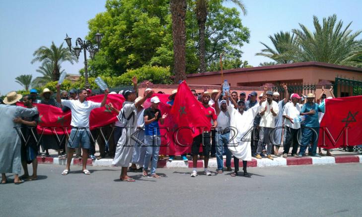 عاجل: العطش يخرج ساكنة دوار لمخاليف بواحة سيدي ابراهيم للإحتجاج أمام ولاية مراكش