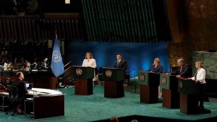 إجراء أول مناظرة تلفزيونية مباشرة بين خلفاء لـ
