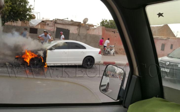 عاجل: النيران تلتهم سيارة فاخرة بحي بين لقشالي بمراكش + صور
