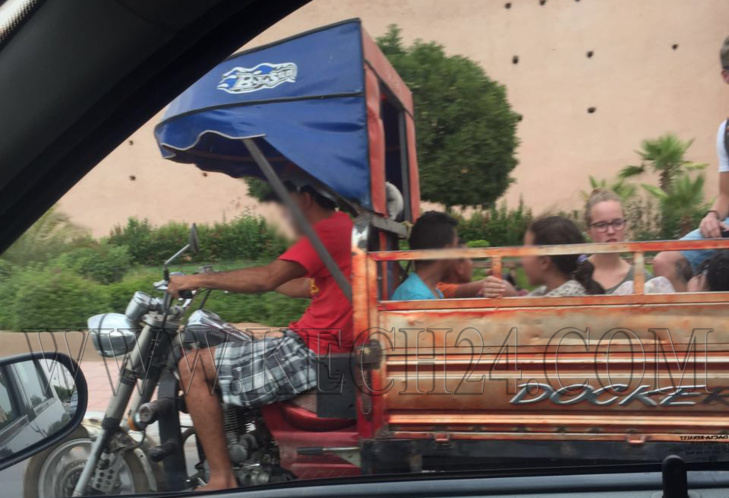 ابتزاز بعض سائقي الطاكسيات يجبر سياح أجانب على اختيار