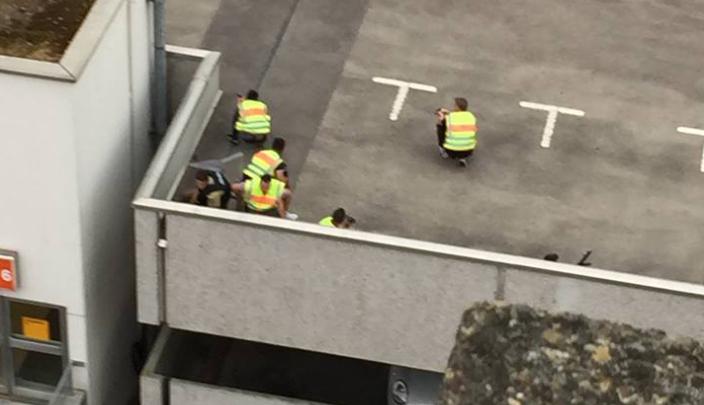 أنباء عن مقتل 15 مواطنا في اطلاق للنار بمركز تسوق في ميونيخ + فيديو
