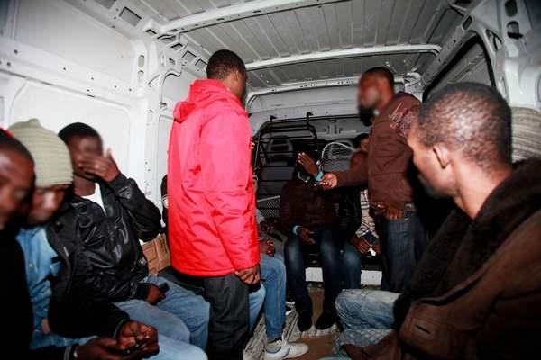 توقيف 7 مهاجرين يشتبه في تورطهم في إضرام النار في متلكات عمومية