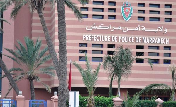 أمن مراكش يكشف حقيقة فيديو يوثق لاعتداء منحرف على مستعملي الطريق العام