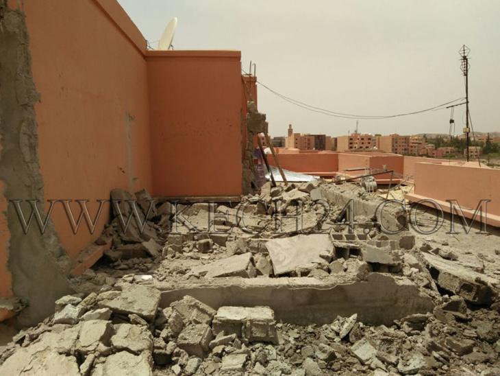 السلطة المحلية تهدم بناء عشوائيا فوق سطح عمارات تعود للأحباس بمراكش + صور
