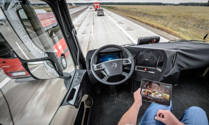 شاحنات وحافلات ركاب بدون سائق قريباً