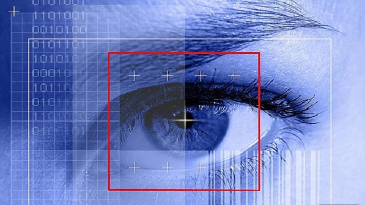 شائعات مسربة حول إصدار أيفون 8 بميزة بصمة العين