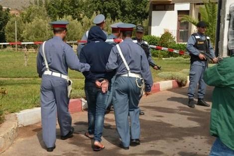 اعتقال شاب ذبح والديه بواسطة أداة حادة