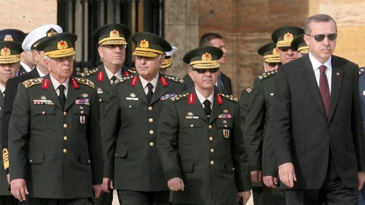 أردوغان يقرر وضع المخابرات وأركان الجيش تحت سلطته