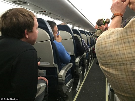 تعرض مسافرة لحروق يجبر طائرة مغربية على الهبوط في تولوز
