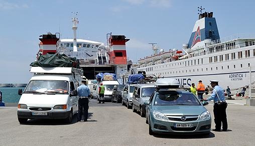 إحباط محاولة تهريب أزيد من 461 ألف أورو عبر موقع ميناء طنجة المتوسط