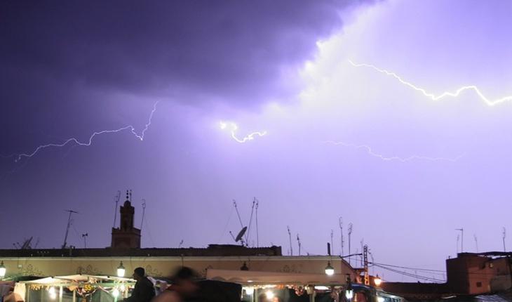 عاجل: عواصف رعدية تربك حركة الملاحة الجوية بمطار مراكش لمنارة