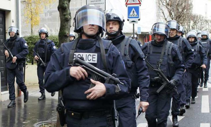 استنفار أمني بالعاصمة الفرنسية باريس بسبب إنذار باحتجاز رهائن