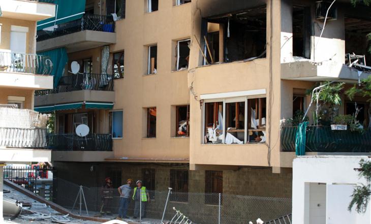 .مصرع شخص وإصابة 15 أخرين في انفجار مبنى ببرشلونة