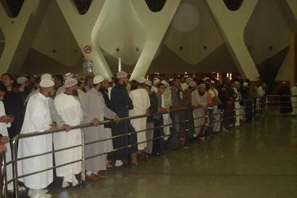 عاجل : عودة الحجاج وسط الفوضى بمطار مراكش لمنارة