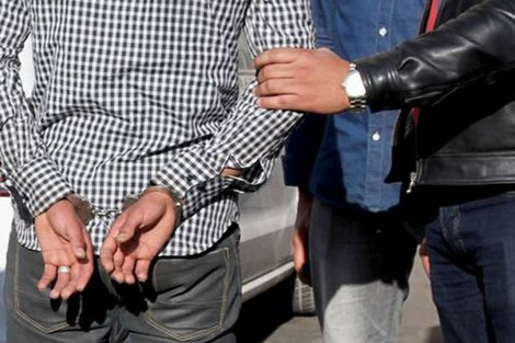 اعتقال شاب عشريني بجناية اغتصاب زوجته القاصر