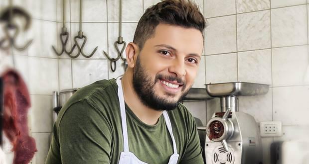 النجم المغربي حاتم عمور يستعد للقيام بجولة فنية عالمية