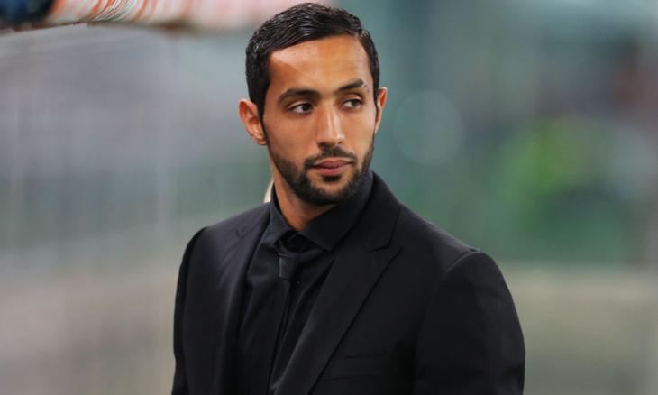 عميد المنتخب المغربي بنعطية يكشف حقيقة تدخينه لـ
