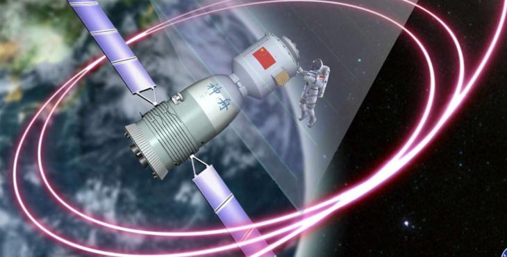 الصين تطلق بنجاح مركبة فضائية مأهولة