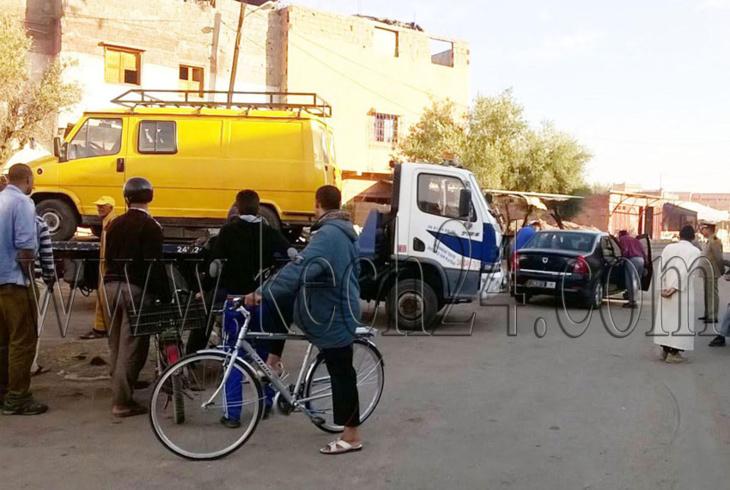 السلطة تحجز سيارات وعربات مجرورة خلال حملة لتحرير محيط سوق إزيكي بمراكش + صور