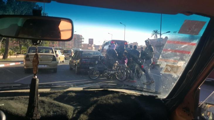 عاجل: شجرة تغلق شارع عبد الكريم الخطابي في وجه حركة المرور بمراكش