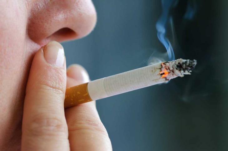 هذه أول دولة في العالم تمنع السجائر نهائيا