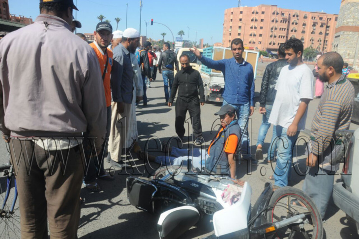 مواطنون يحاصرون سائقة سيارة دهست مجموعة من المارة بمراكش + فيديو وصور