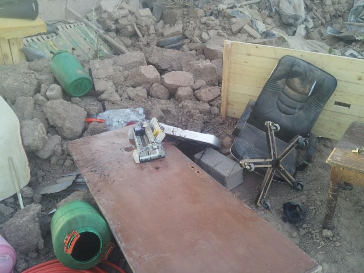 سلطات السويهلة تستغل صلاة الجمعة لهدم مبنى داخل ورش بناء قانوني