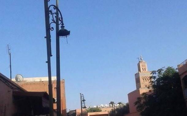 جمعية تشتكي من نهب المال العام وتتبيث مصابيح مستعملة بشارع
