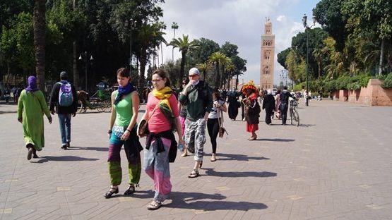 ويتواصل استهداف السياح بمراكش.. انجليزية تتعرض للسرقة من طرف لصين بالمدينة العتيقة