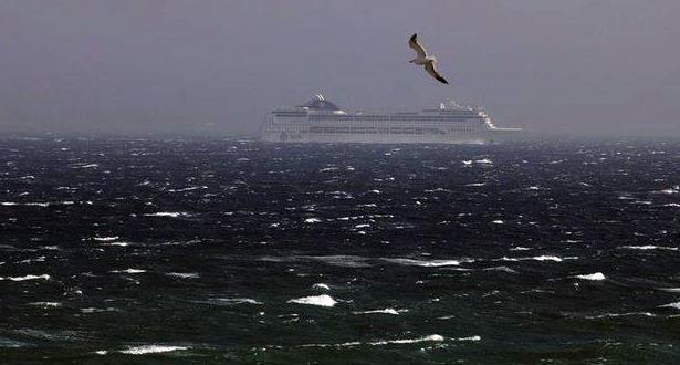 توقف حركة النقل البحري بين مينائي طنجة وطريفة مؤقتا