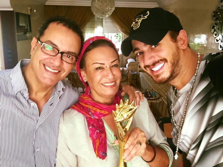 انفراد: أسرة الفنان سعد لمجرد تستعين بمحامي ساركوزي للدفاع عن إبنها المعتقل بفرنسا