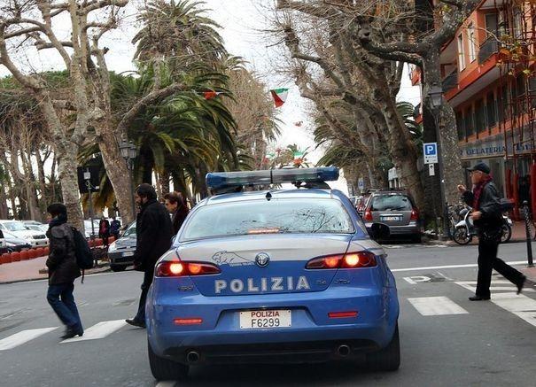 أمن إيطاليا يعتقل أفراد عصابة مغربية مختصة في سرقة سيارات فارهة
