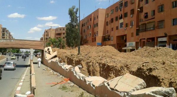 بالوعة للصرف الصحي تهدد سلامة المارة بشارع الداخلة بمراكش