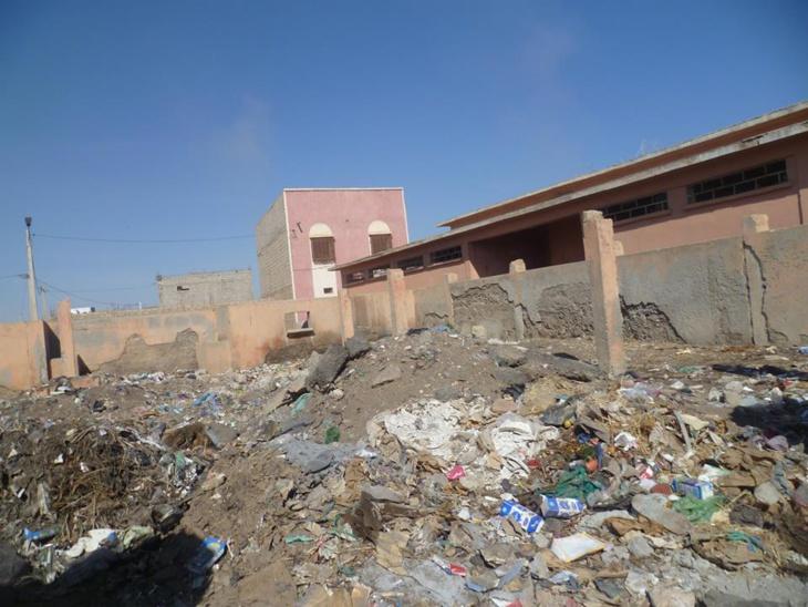 صور صادمة من السوق الأسبوعي لسيد الزوين.. النفايات وبقايا الذبائح تطوق المجزرة الجماعية
