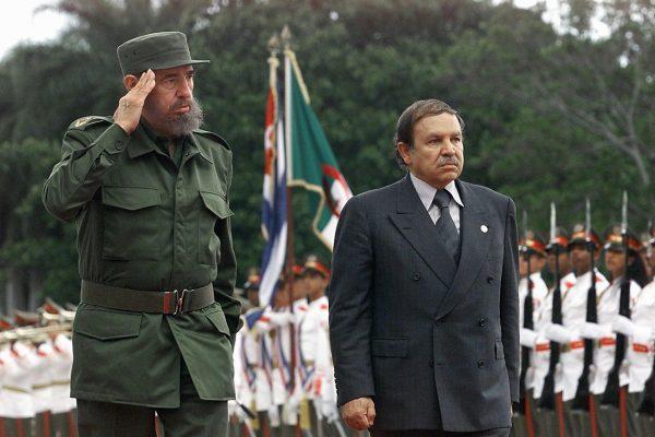 الجزائر تعلن الحداد ثمانية أيام حزنا على وفاة قائد الثورة الكوبية فيدل كاسترو