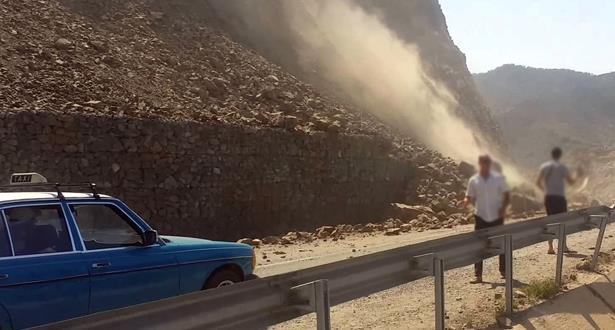 السلطات المحلية تصدر قرارات لإفراغ 10 منازل مهددة بالانهيار خشية إنزلاق أرضي