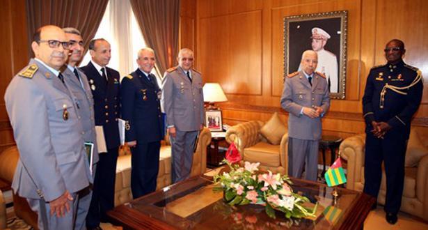 المفتش العام للقوات المسلحة الملكية يستقبل قائد أركان القوات المسلحة الطوغولية