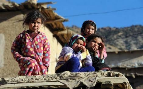 """شباب بإقليم الحوز يطلقون حملة """"الأمل"""" للتبرع بالملابس المستعملة للأسر المعوزة"""