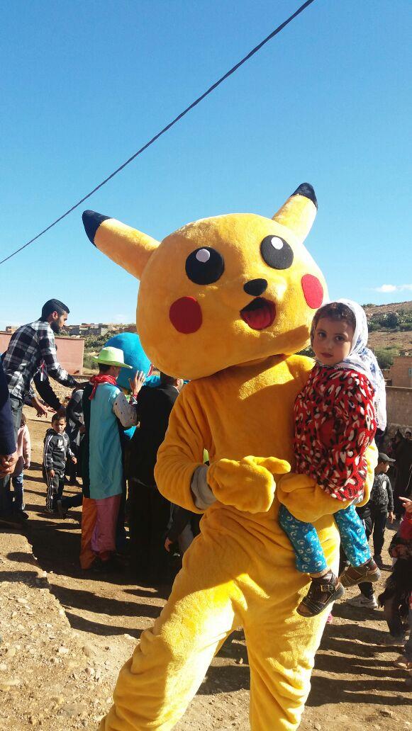 حملة شتاء دافئ ترسم الإبتسامة على شفاه أطفال بنواحي إيمينتانوت + صور