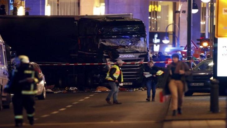 الشرطة الإيطالية تؤكد أن الرجل الذي قتل في ميلانو هو منفذ هجوم الشاحنة في برلين