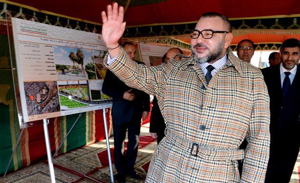 الكشف عن ثمن المعطف الذي يرتديه الملك محمد السادس