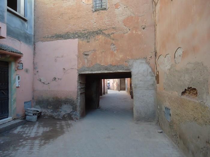 باب تاريخي يطاله الإهمال وسط صمت المسؤولين بقلعة السراغنة
