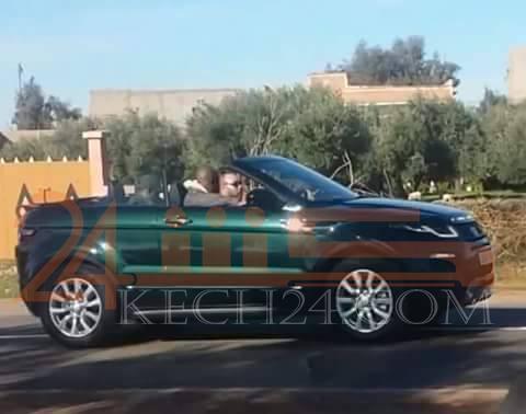 الملك يقود سيارته في أيت أورير التي زارها لممارسة إحدى هواياته المفضلة + صورة حصرية