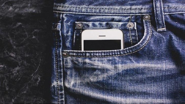 هذه حقيقة علاقة إشعاع الهواتف الذكية بالعقم عند الرجال
